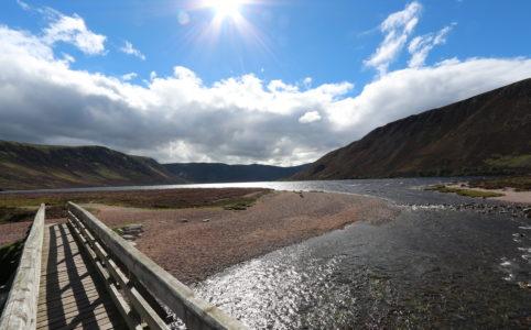 Brücke in Schottland als Symbol für den Weg zum Ziel